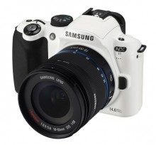Фотоаппарат Samsung NX11 - 12999 рублей